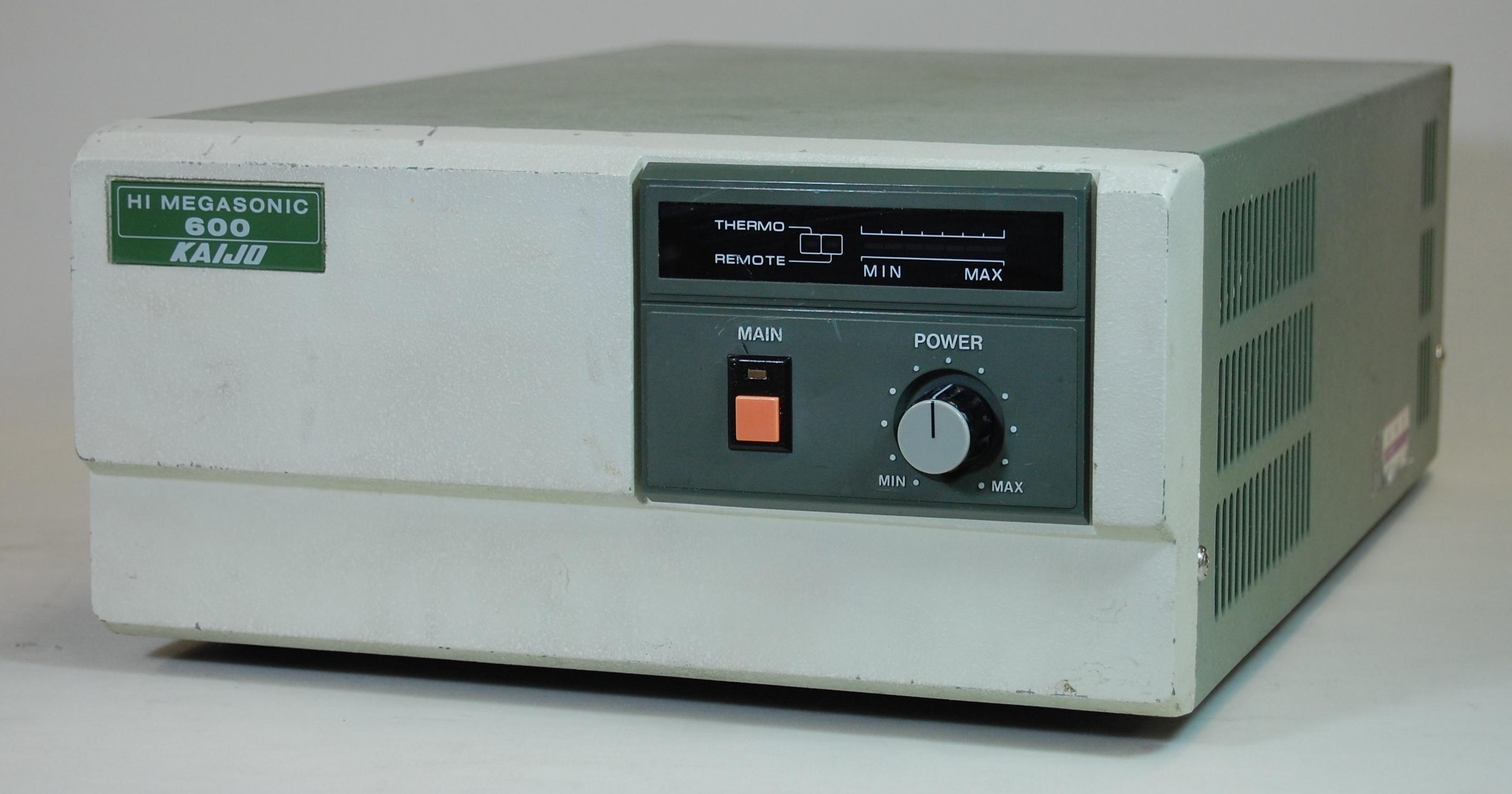 【展示室】展示機器の紹介 ハイメガソニックシリーズ6848型発振器