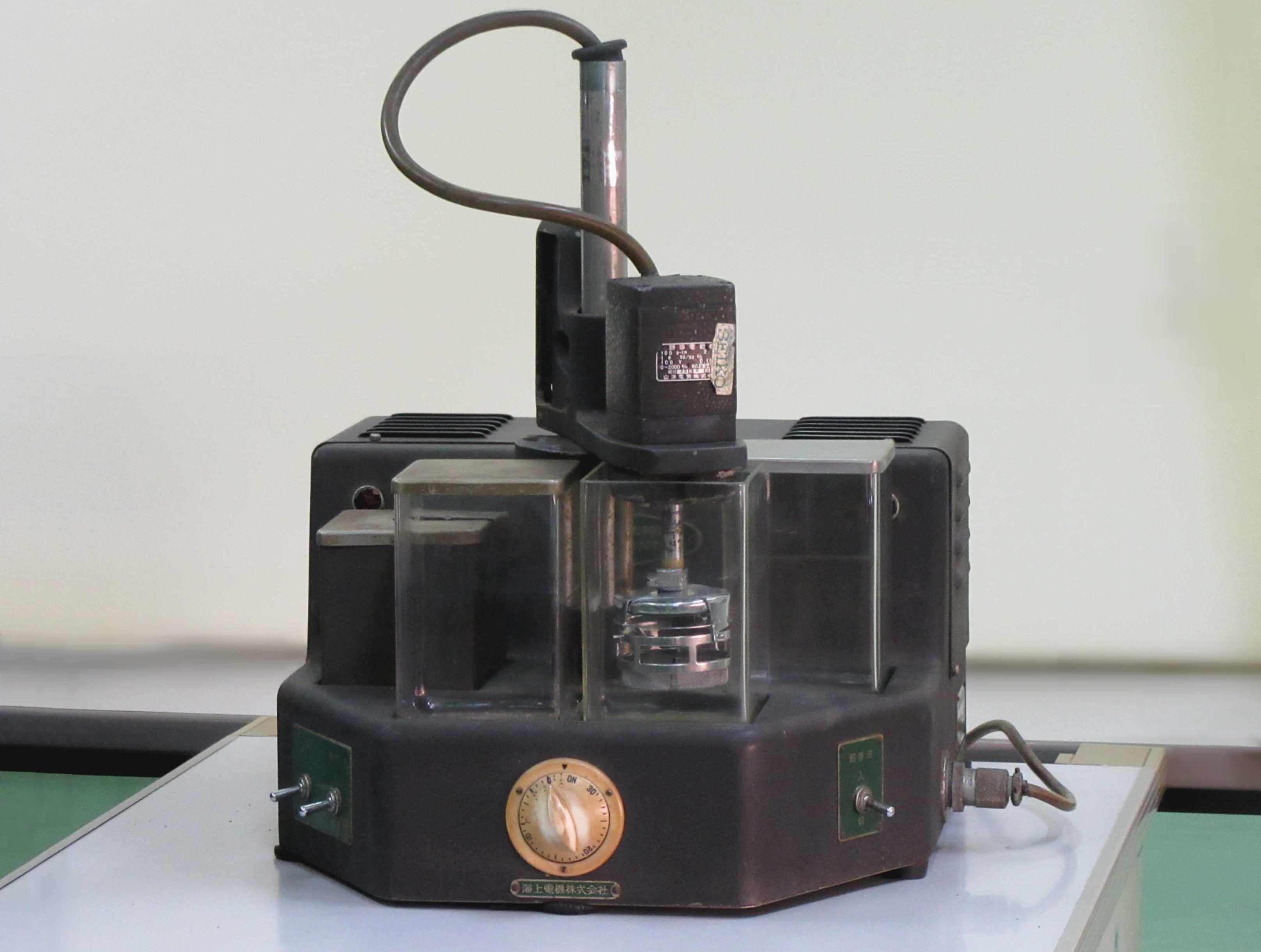 【展示室】展示機器の紹介 時計用超音波洗浄機 CA-2702型